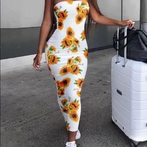 Dresses & Skirts - Sold.  Sunflower Print Sundress